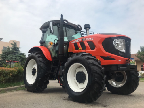 QLN New Design Big Wheel Tractors Show